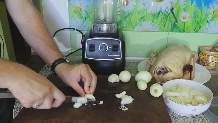 Утка томленая в сливовом соусе мясные блюда,утка
