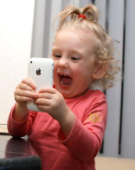 Айфоновое детство, или как оторвать ребенка от компьютера
