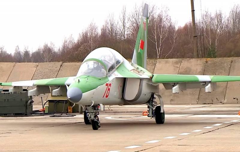ВВС Беларуси потеряли Як-130: самолет упал среди жилых домов Новости