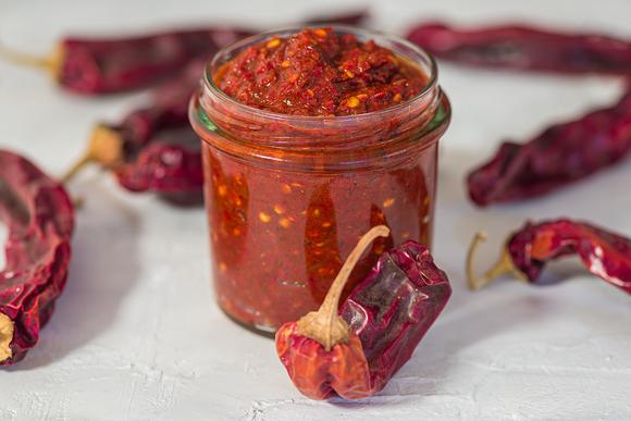 Острые соусы в разных кухнях мира перец, чеснок, перцы, масло, масла, приготовления1, добавляют, перца, именно, Затем, орехи, можно, оливкового, шрирача, семена, добавьте, очень, потому, уксус, только