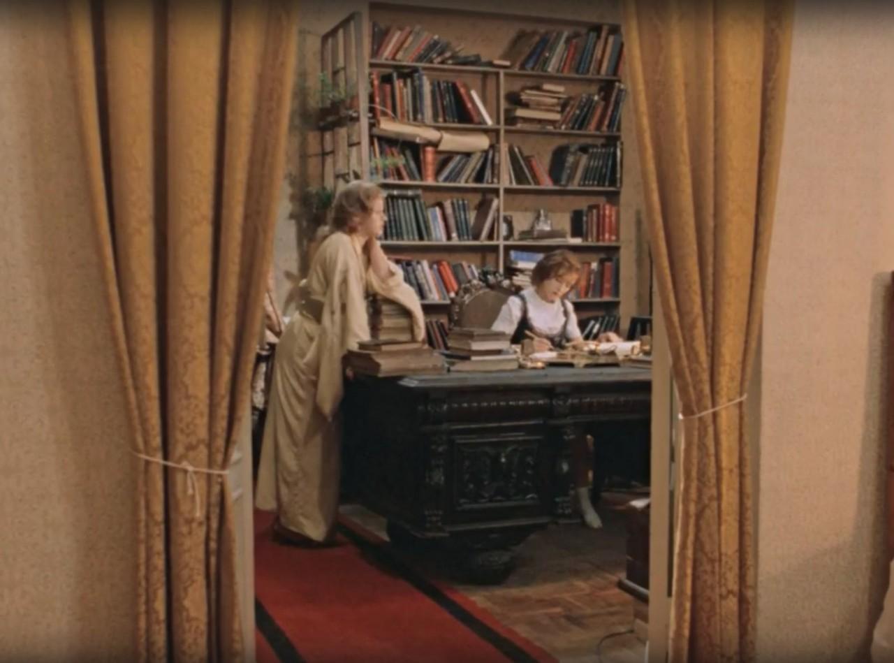 Убогий советский быт в фильме «Москва слезам не верит»