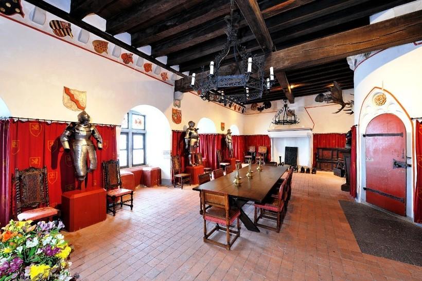 Замок Эльц: величественное сооружение, которое целых 800 лет принадлежит одной семье архитектура,интерьер и дизайн,путешествия