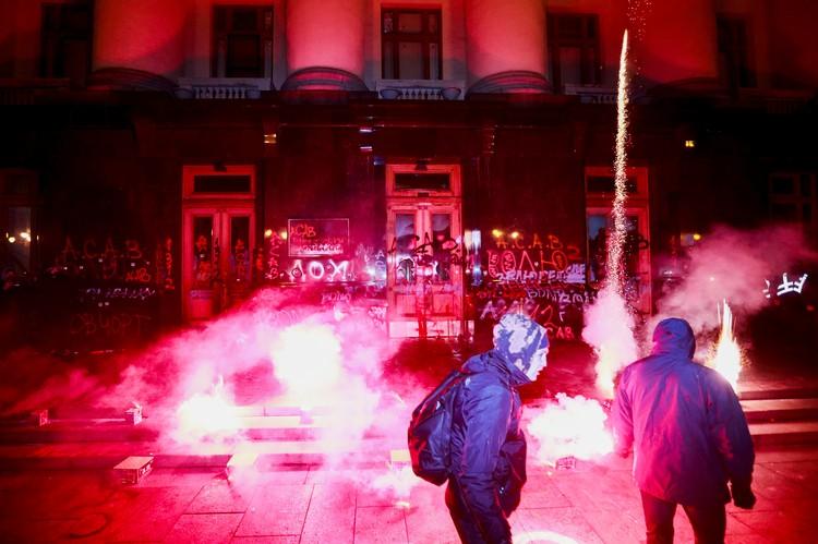 В Киеве под офисом Зеленского собрался очередной протест националистов