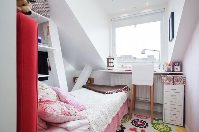 Подбирая цветовую гамму для оформления вашей спальни лучше всего использовать светлые оттенки, но при этом не стоит забывать и о своих цветовых предпочтениях