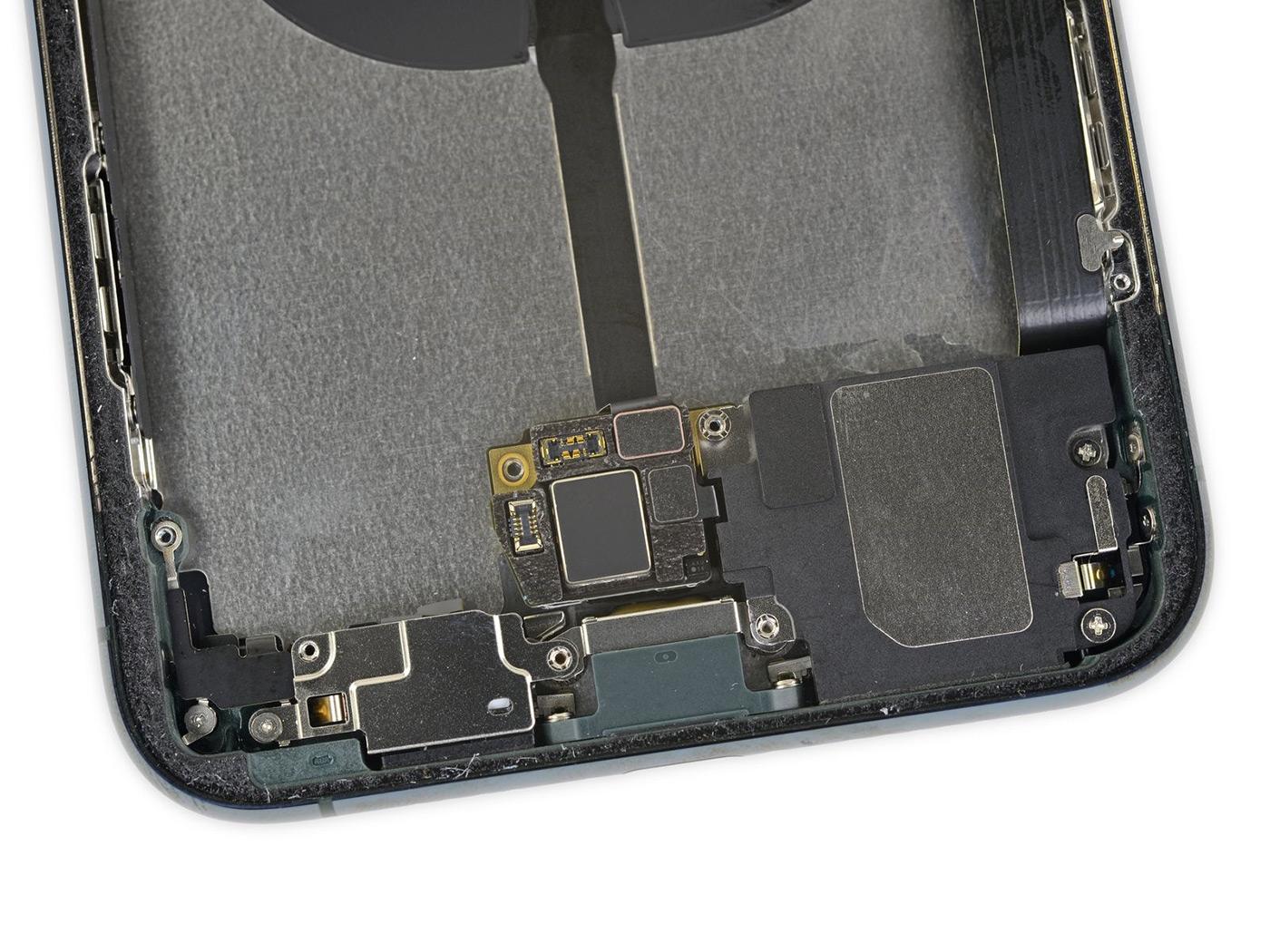 Как в Apple создавали первый влагозащищенный телефон apple,гаджеты,история,мобильные телефоны,смартфоны,телефоны,техника