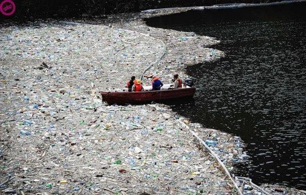 Река Цитарум (Citarum) - одна из самых загрязненных в мире грязь, изнанка, курорты, нищета, путешествия, трущобы