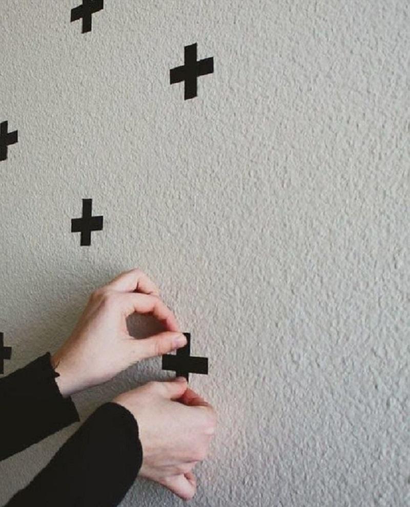 декорирование стен в спальне своими руками