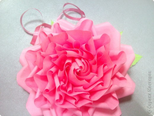 Роза из бумаги.