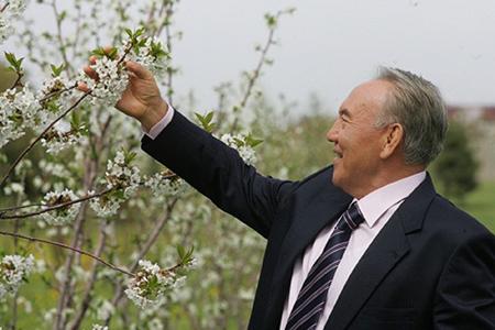 Умом нам трудно их понять...Назарбаев: что названо в честь первого президента РК?