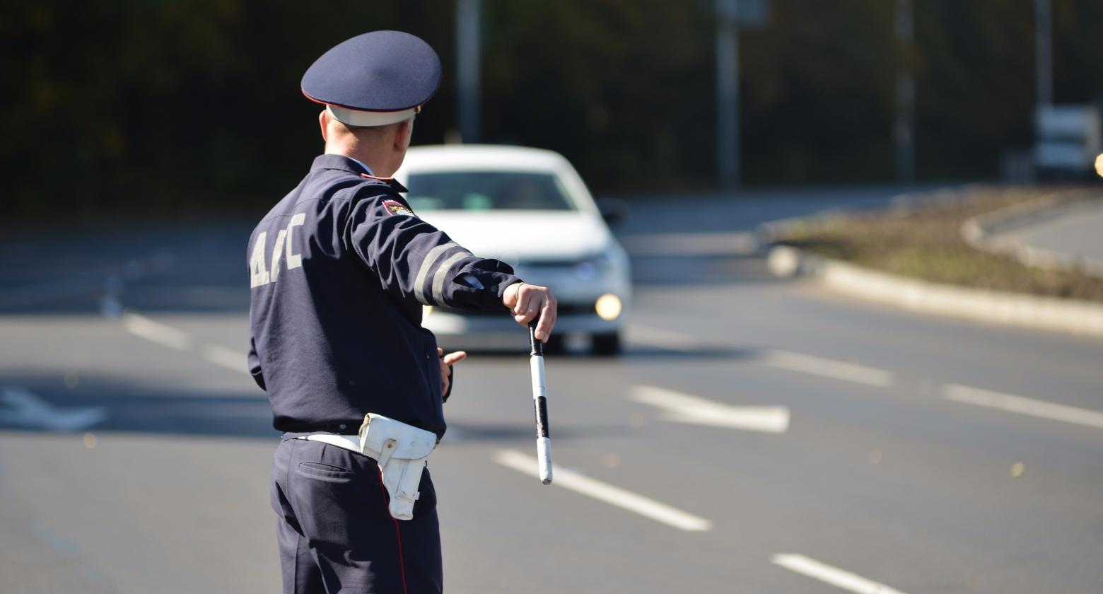 Где инспекторы ДПС не имеют права останавливать водителей