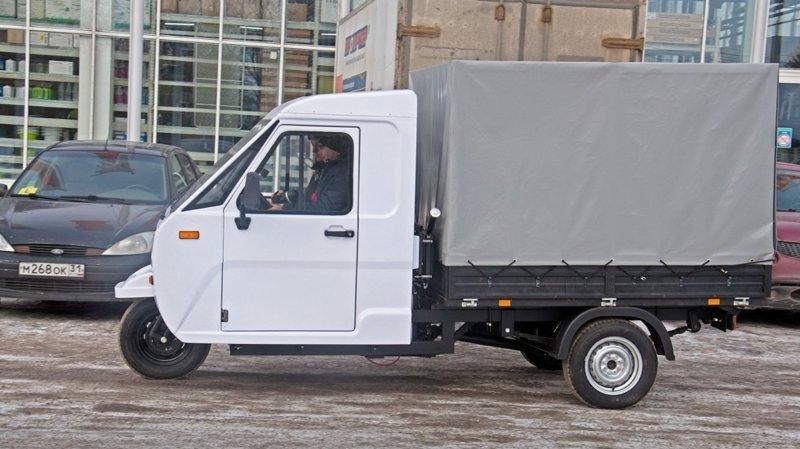 "Тонна в фургоне, задний мост от Шахи: первый тест-драйв грузового трицикла ""Шмель"" тест-драйв, трицикл, фургон, шмель"