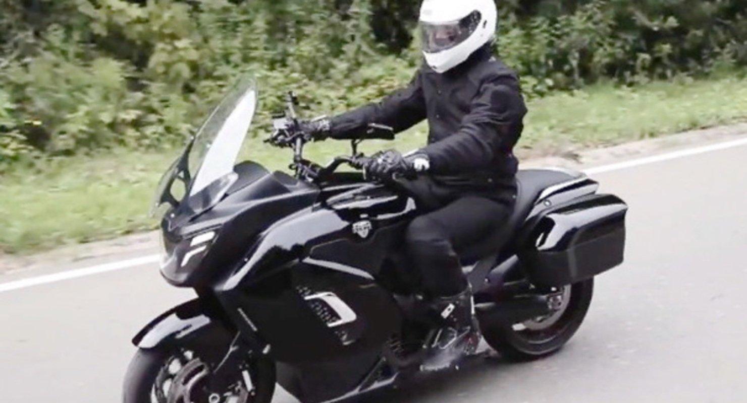 ФГУП «НАМИ» впервые показало прототип мотоцикла Aurus Мото