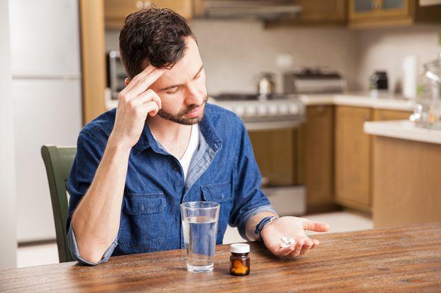 Всё дело в таблетке. Какие лекарства портят интимную жизнь?