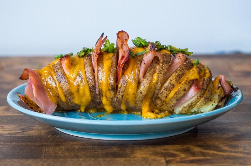Картофель с ветчиной и сыром: ода любимой картошке