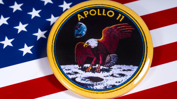«Артемида» вместо «Аполлона»: Трамп, Пенс и НАСА хотят обновить миф американской высадки на Луну
