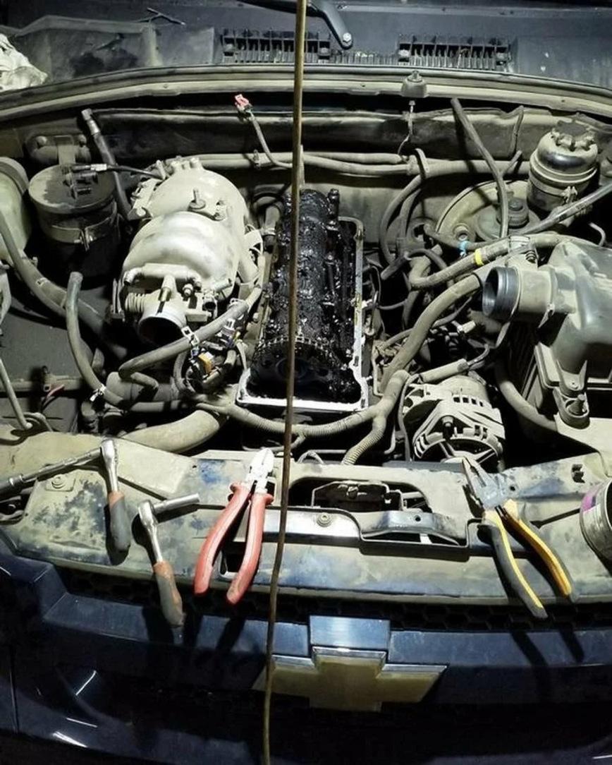В двигатель Chevy Niva залили трансмиссионное масло, и вот что с ним стало
