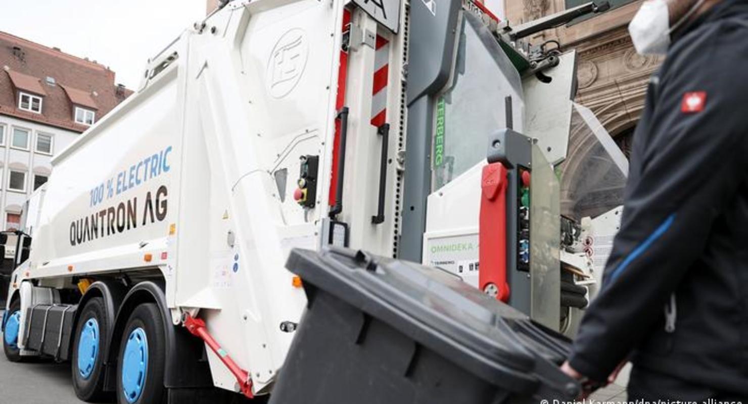 В Германии испытывают электрический мусоровоз Автомобили