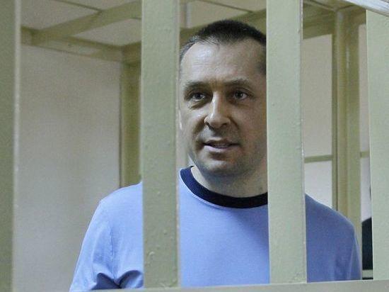 Адвокаты попросили оправдать полковника-миллиардера Захарченко: незаслуженно привязали к миллиардам
