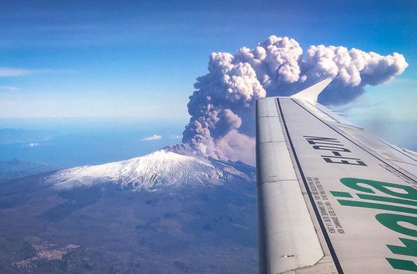 В Италии началось извержение вулкана Этна