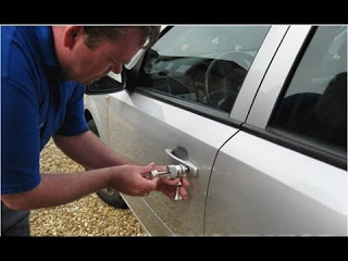 Если ключи остались в машине? Как попасть в машину без ключей?