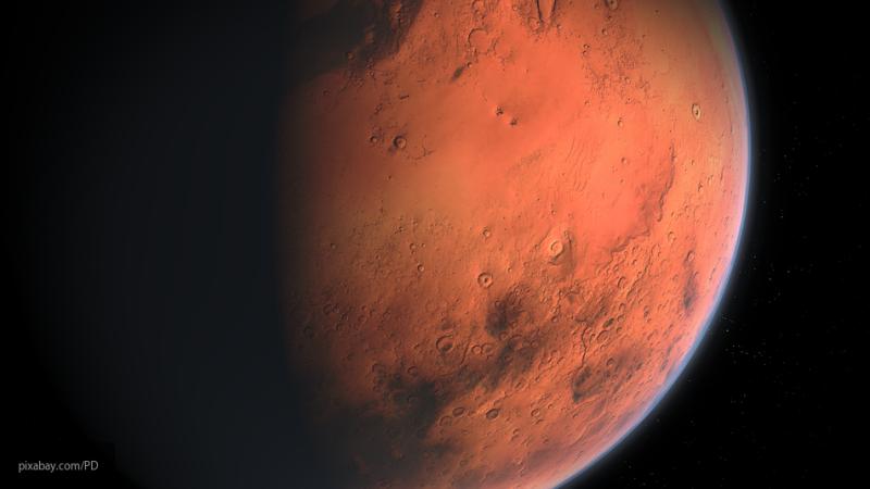 Красное вино поможет космонавтам на Марсе, выяснили ученые