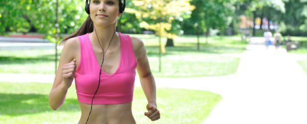 Утренняя пробежка или гимнастика — что полезнее?