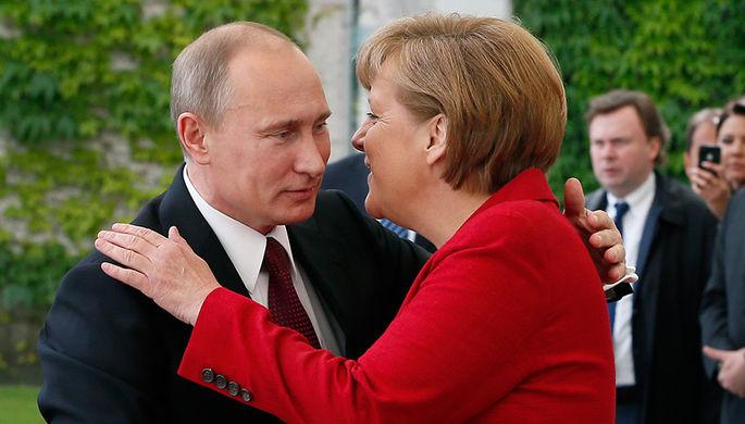 Путин поздравил Меркель с переизбранием на пост канцлера
