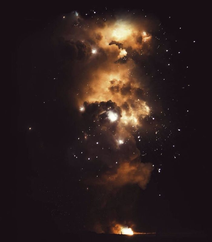 Новогодний космический фейерверк