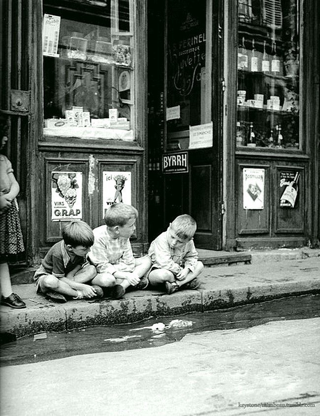 Дети в Париже до компьютерной эпохи. 1950 Весь Мир в объективе, ретро, старые фото