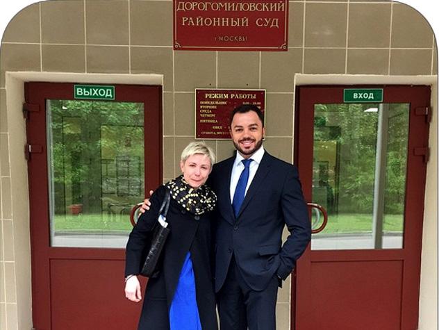 Солистка группы «Стрелки» выиграла суд у своего же адвоката