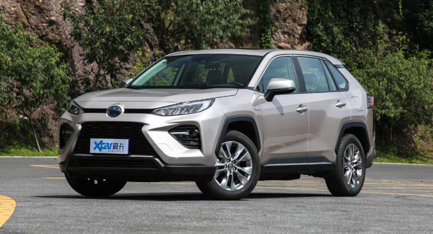 Toyota начала продажи гибридного кроссовера Wildlander PHEV Автомобили
