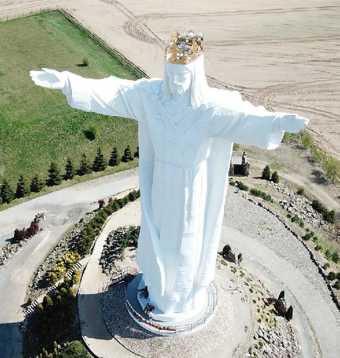 Почему не нашлось места 33-метровому Спасителю от Церетели на огромной территории России Зураб Церетели,искусство,памятники,скульптор,художник,скандалы,скульптура Христа