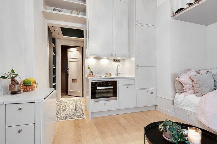 Вид на кухню.