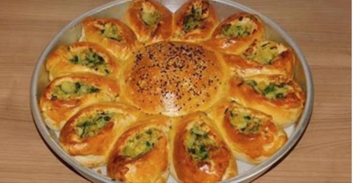 Обалденный пирог с картофелем и сыром смело можно подавать во время праздничного застолья