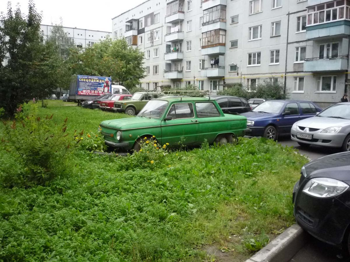 В регионах узаконят штрафы за парковку на газоне