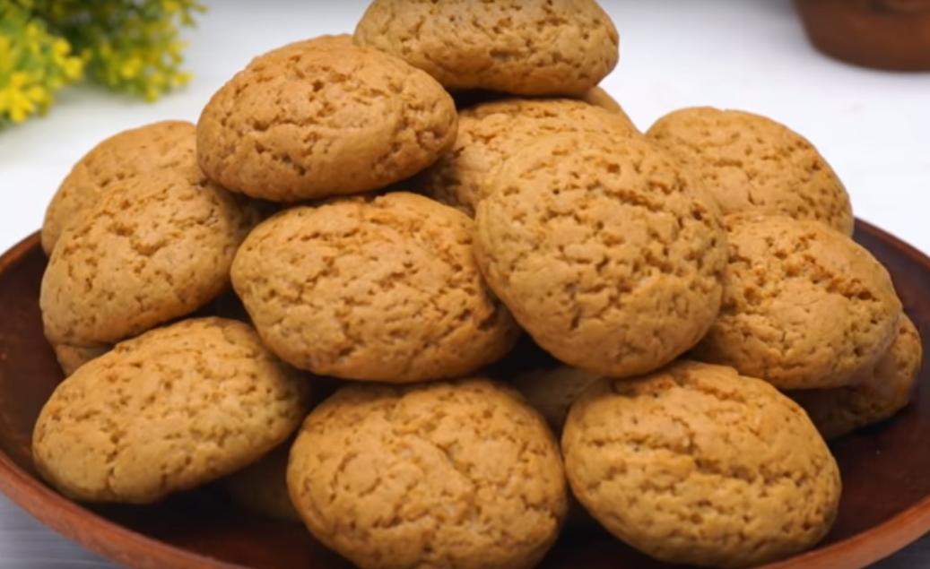 Настоящее овсяное печенье с трещинками