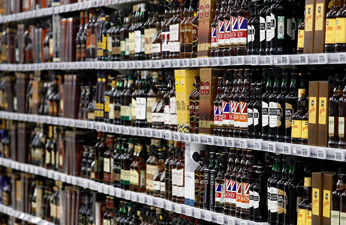 Минздрав предложил продавать крепкий алкоголь с 21 года