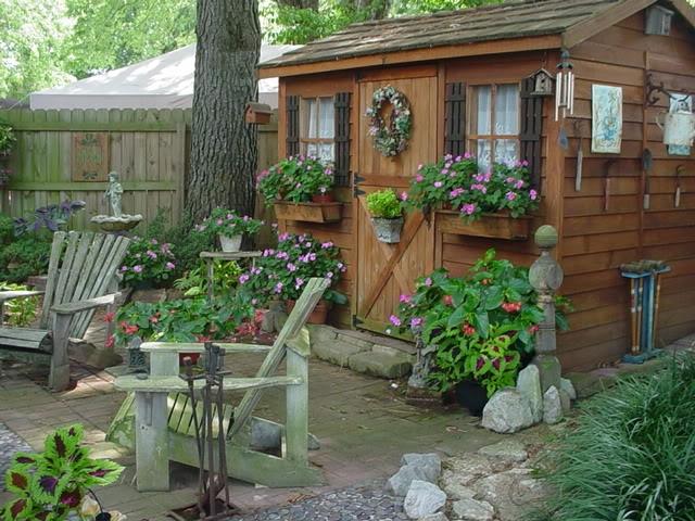 Маленькие дома на дачу - Поделки