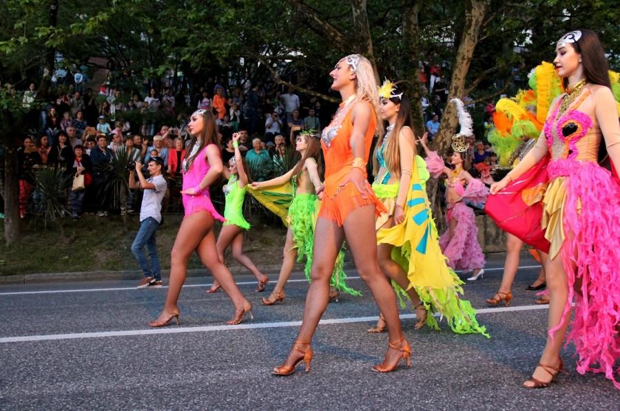 Нетолерантный банан или скандал с сочинским карнавалом