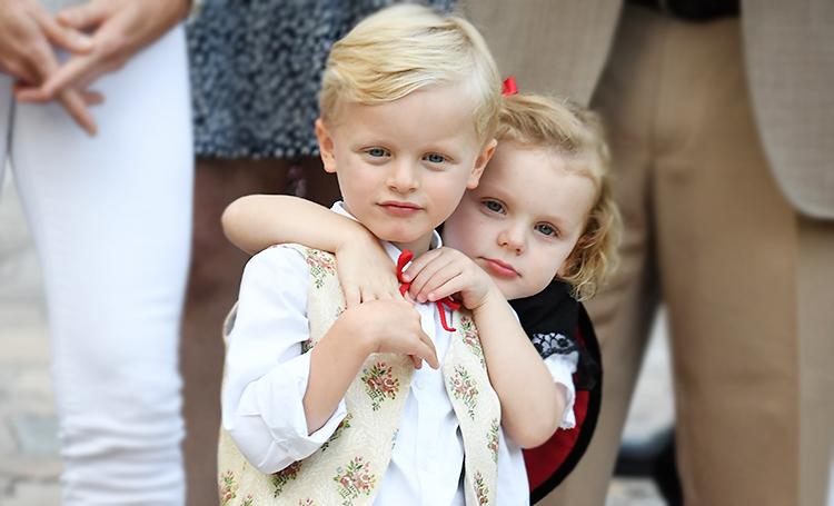Приезд пожарных и нашествие супергеров: как прошло празднование 4-летия близнецов княгини Шарлен и князя Альбера
