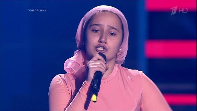 Когда она начала петь, зал замер от восторга!