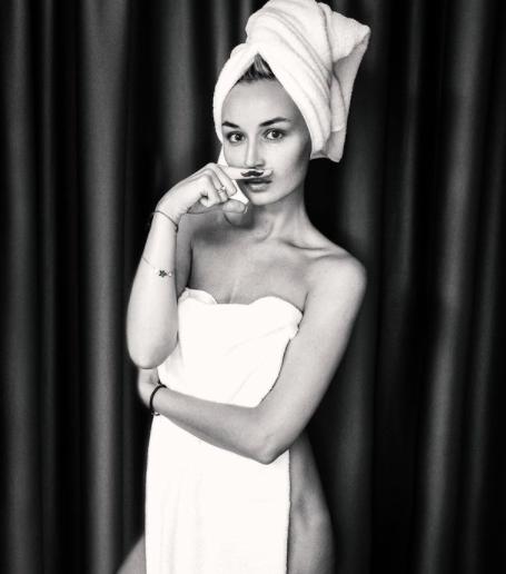«Полина не против?»: экс-супруг опубликовал пикантное фото Гагариной без одежды