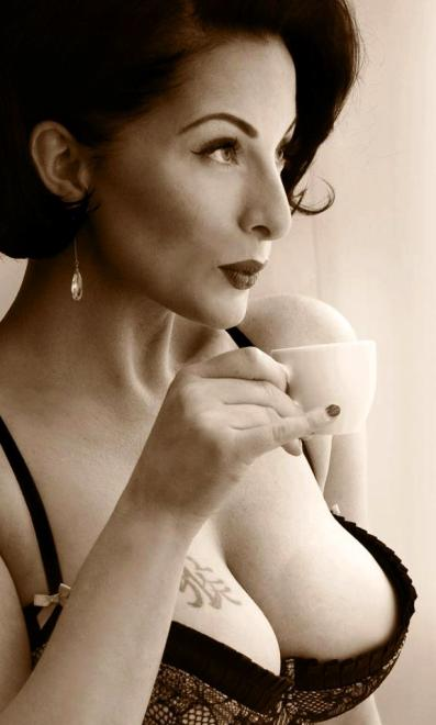Идеал женской красоты — pin-up-девушки и их реальные прототипы