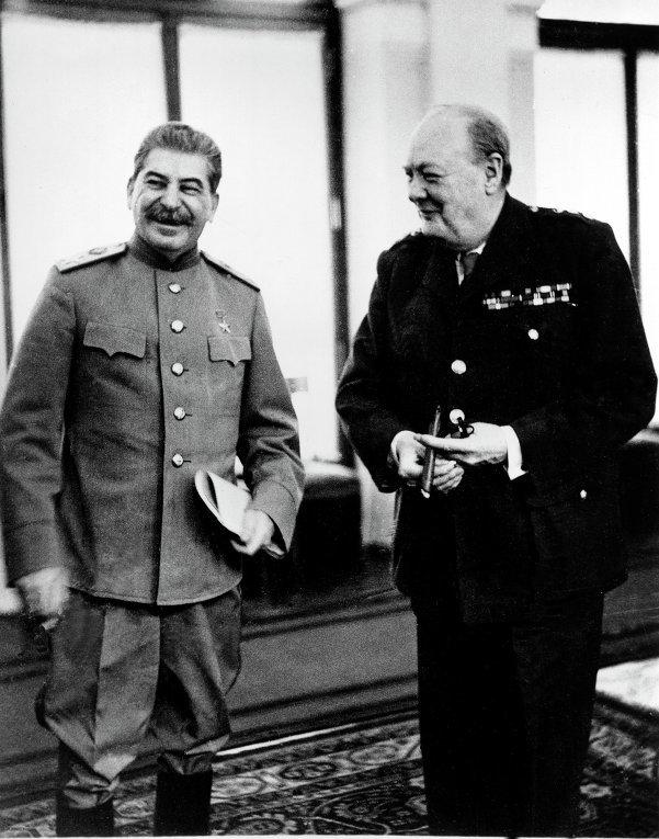 Ветеран КГБ  Н. Хохлов  :  «И.В. Сталин смеется...»
