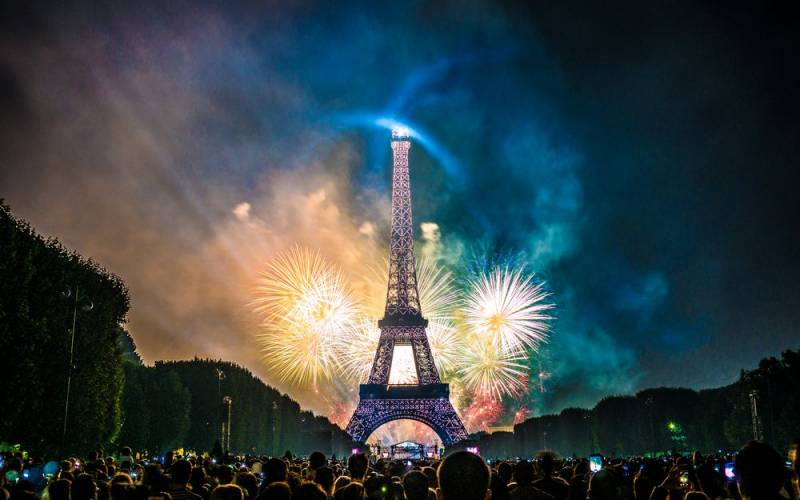 Россия и Франция тайно выслали дипломатов друг друга