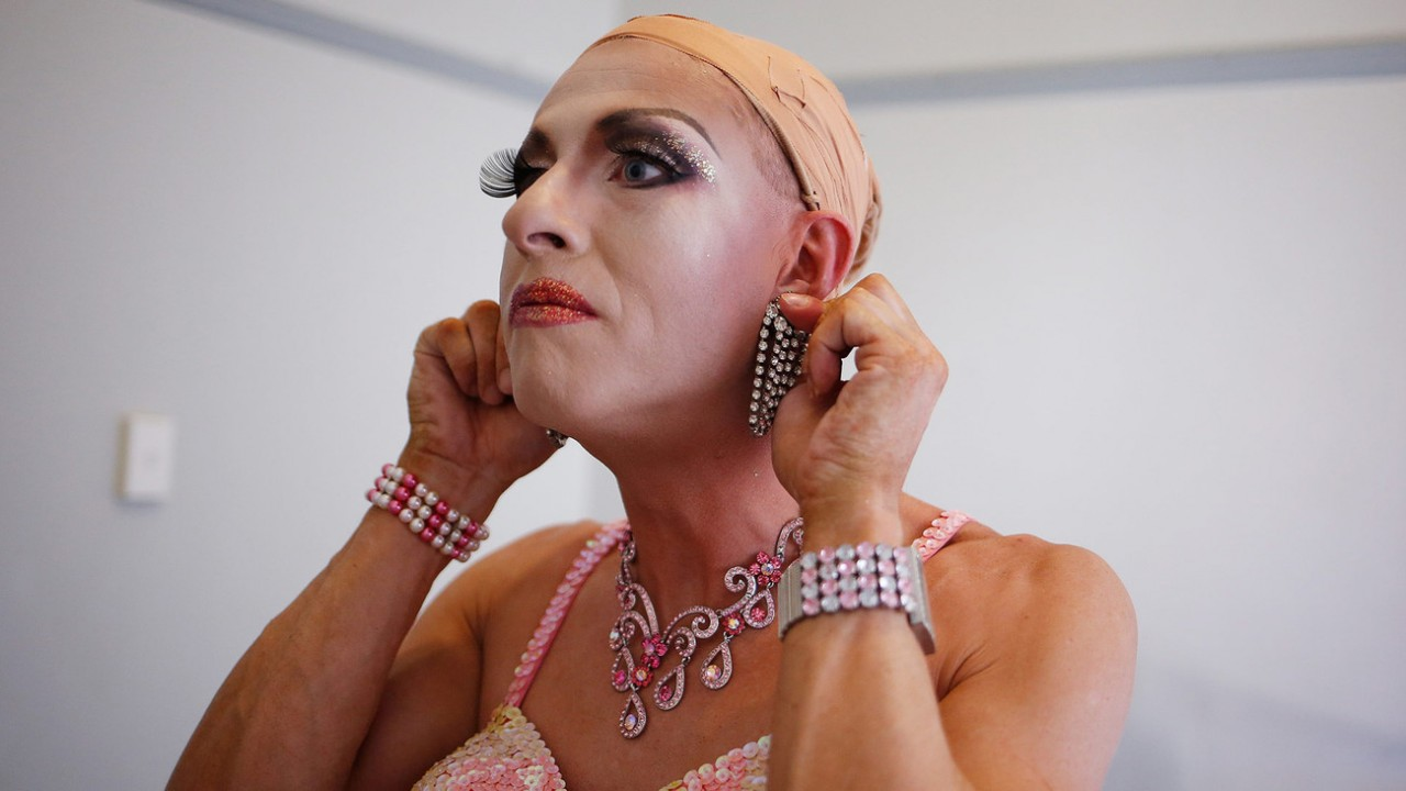Привязанным, девушки транссексуалы с дырочкой во влагалище онлайн