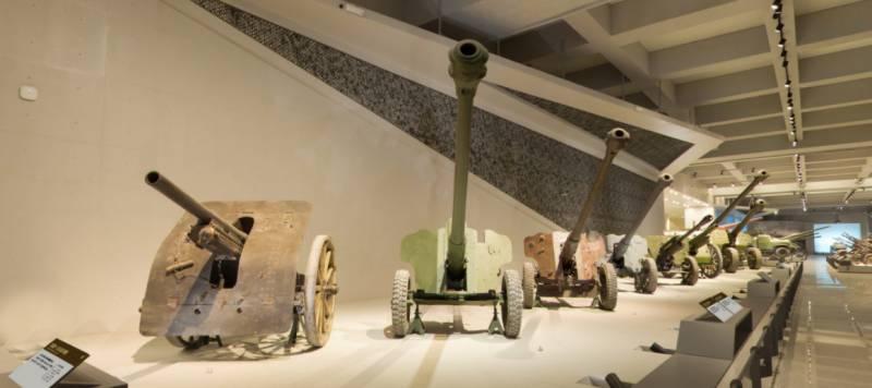 Китайские противотанковые орудия в экспозиции Военного музея китайской революции