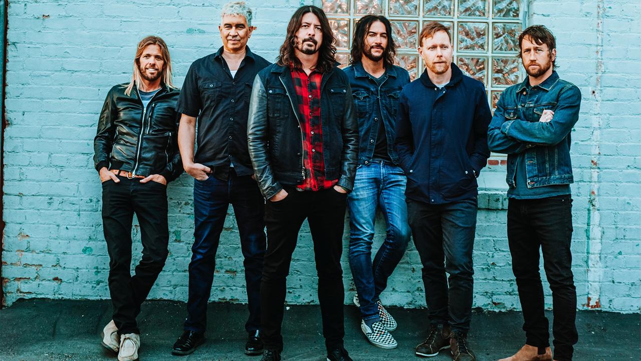 Foo Fighters представили клип на песню про ожидание войны