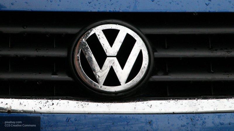 Внешность нового Volkswagen Golf раскрыли до премьеры