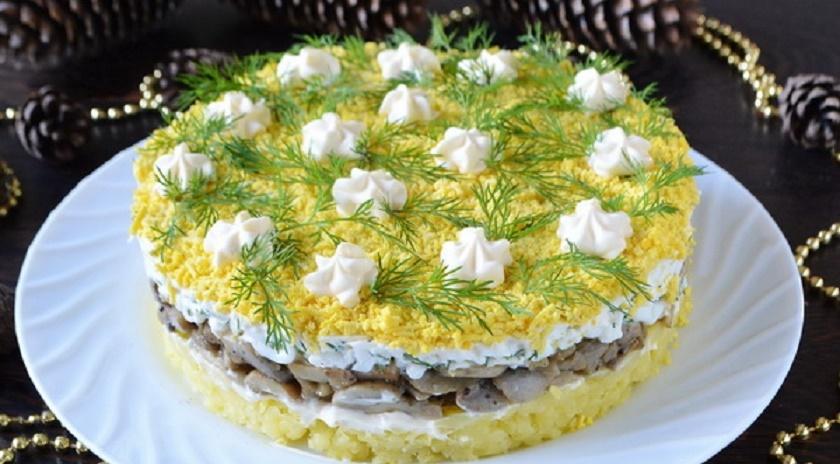Салат «Грибы под шубой»: еще один рецепт нежной и вкусной закуски
